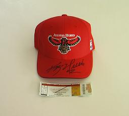 The Kevin Willis signed hat.